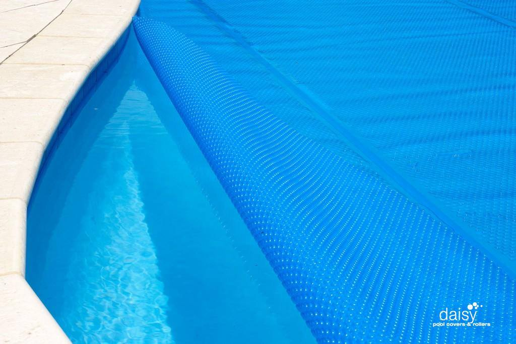 How To Install And Trim A Solar Pool Blanketsolazone Australia